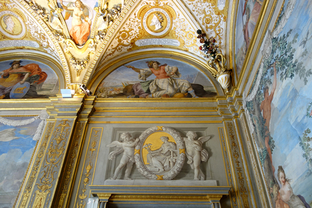 ピッティ宮殿パラティーナ美術館の室内.JPG