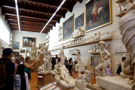 アカデミア美術館の教室.JPG