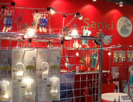 エルグデザインによる商品の展示