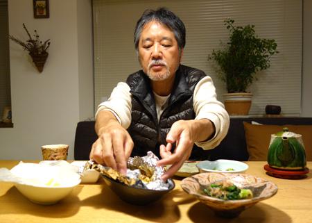 夕食のニカさん.JPG